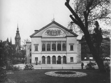 Das Alte Theater am Theaterplatz Nr. 2, nach 1899